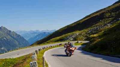 Amerikanische Motorradfahrer erleben die Hochalpenstraße
