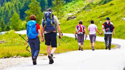 Wanderer auf der Gerlosstrasse