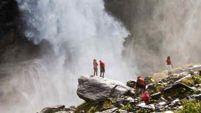 Familie in der Nähe der Krimmler Wasserfälle